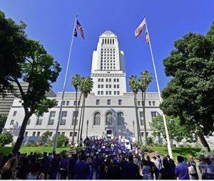 米LA市庁舎にネズミが大発生!チフスの被害訴える声も